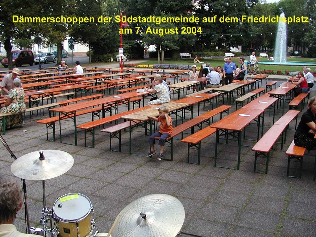 Dämmerschoppen der Südstadtgemeinde: Vor dem Konzert