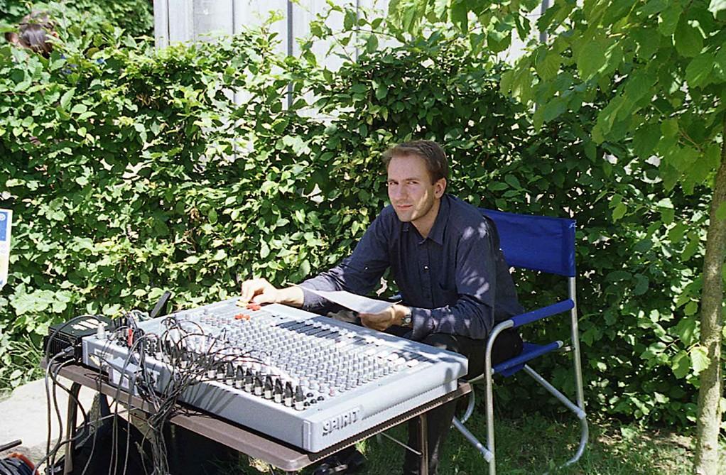Grundsteinlegung bei Freier Waldorfschule Marburg am 19.6.1999; Tontechnik Patrick Kaletsch
