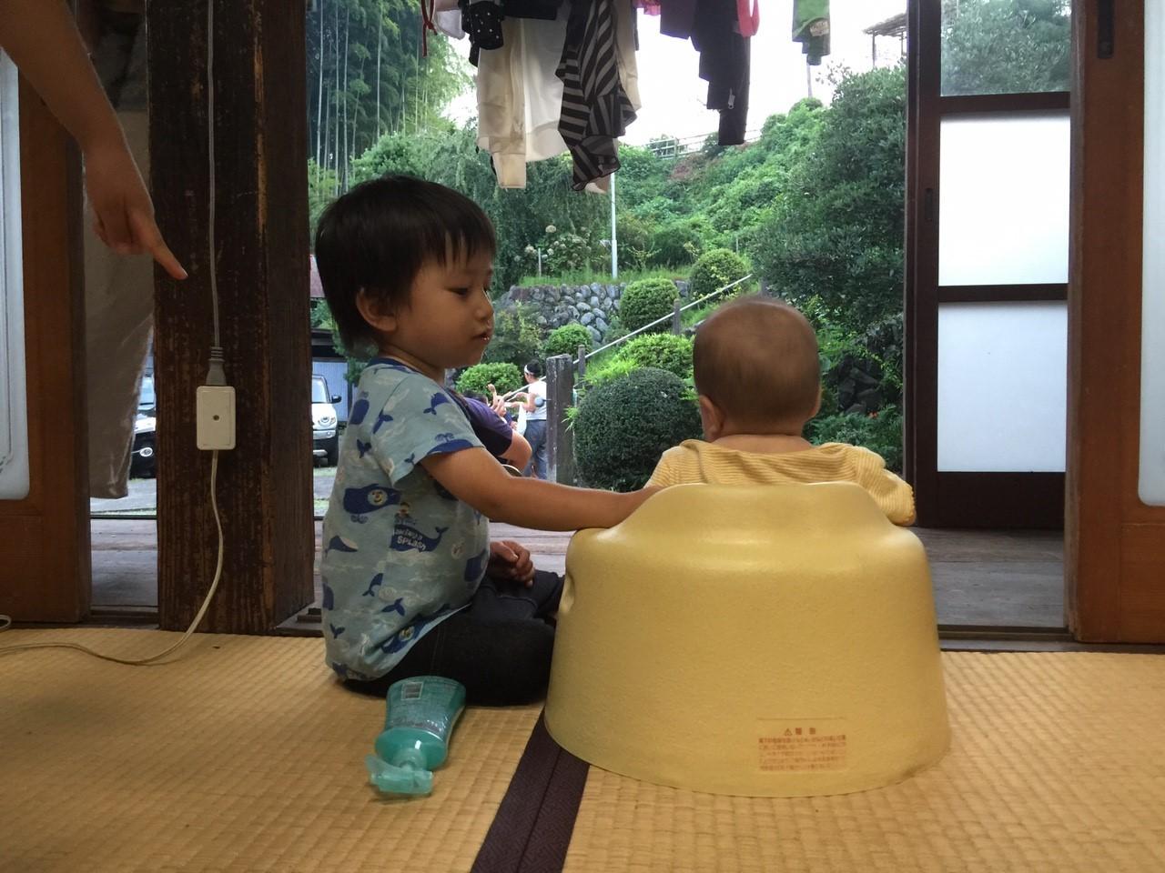 赤ちゃん同士の語らい
