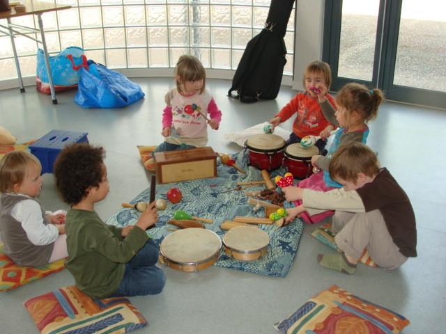 Atelier d'initiation musical pour les 3-4 ans.