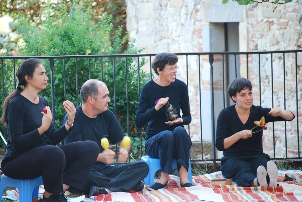 """Association """" Domino """" Vacances artistique. Orchestre accompagnant le spectacle """" la chèvre de monsieur Seguin """""""