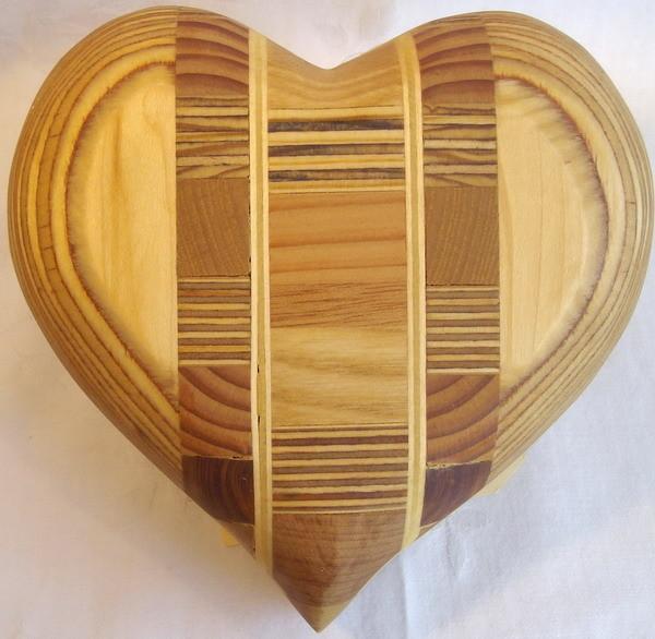 Das besondere Herz - oder Tischlerherz - geschliffen u. geölt verkauft