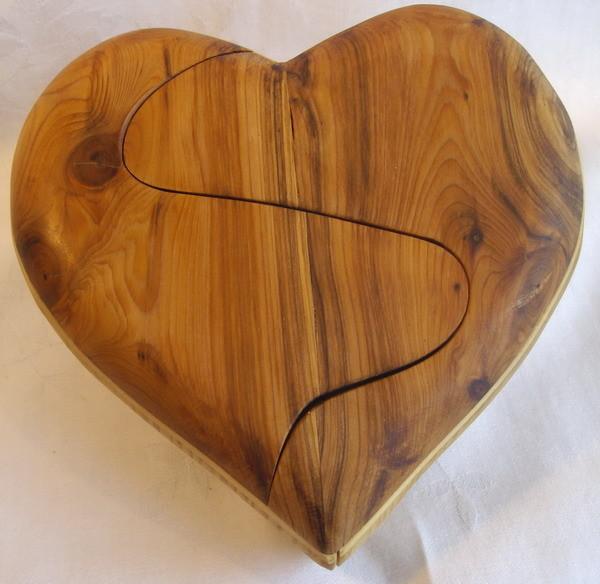 Das geteilte Herz - Lebensbaum - geschliffen geölt - Maßa ca.15x15x4,5cm verkauft