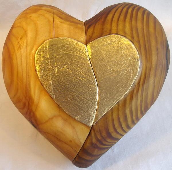 Das geteilte Herz o. das Herz  mit jemanden teilen - geschliffen geölt vergoldet