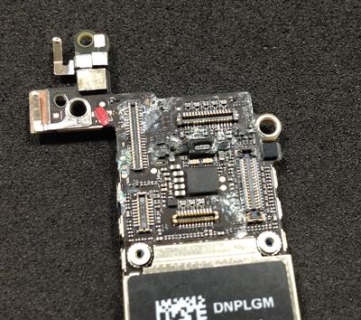 基板損傷のiPhone5c