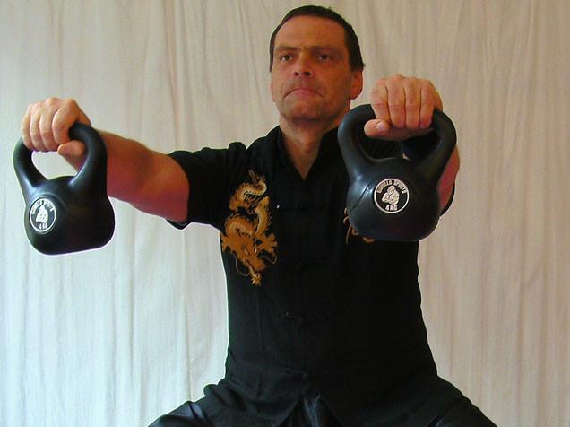 Fitnesstraining in der Jing Wu Kung Fu Schule Köln