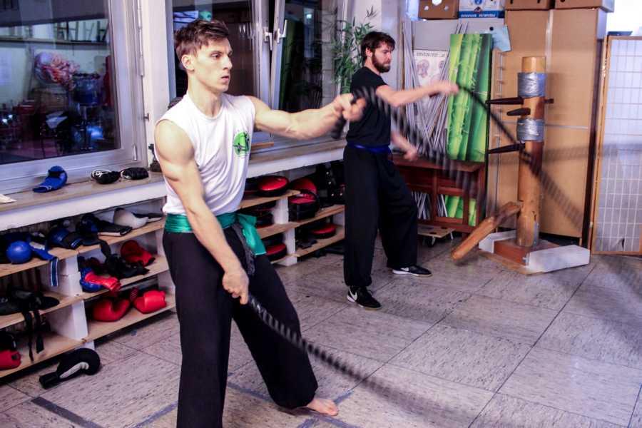 Kung Fu Training beeinhaltet ganzheitliche Fitnessübungen