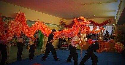 Bild: Drachentanz Vorführung in der Jing Wu Schule Köln