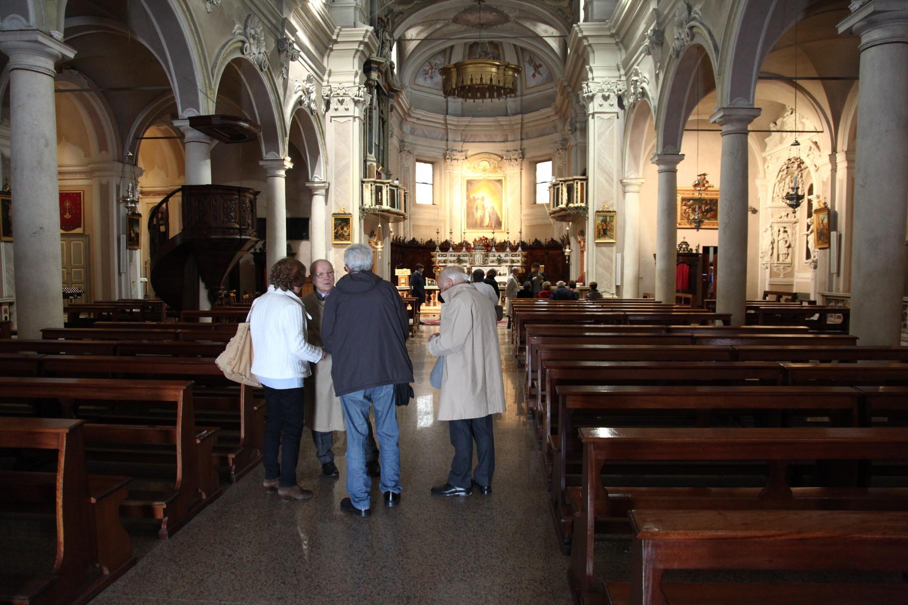 Chiesa Parrocchiale, interno.