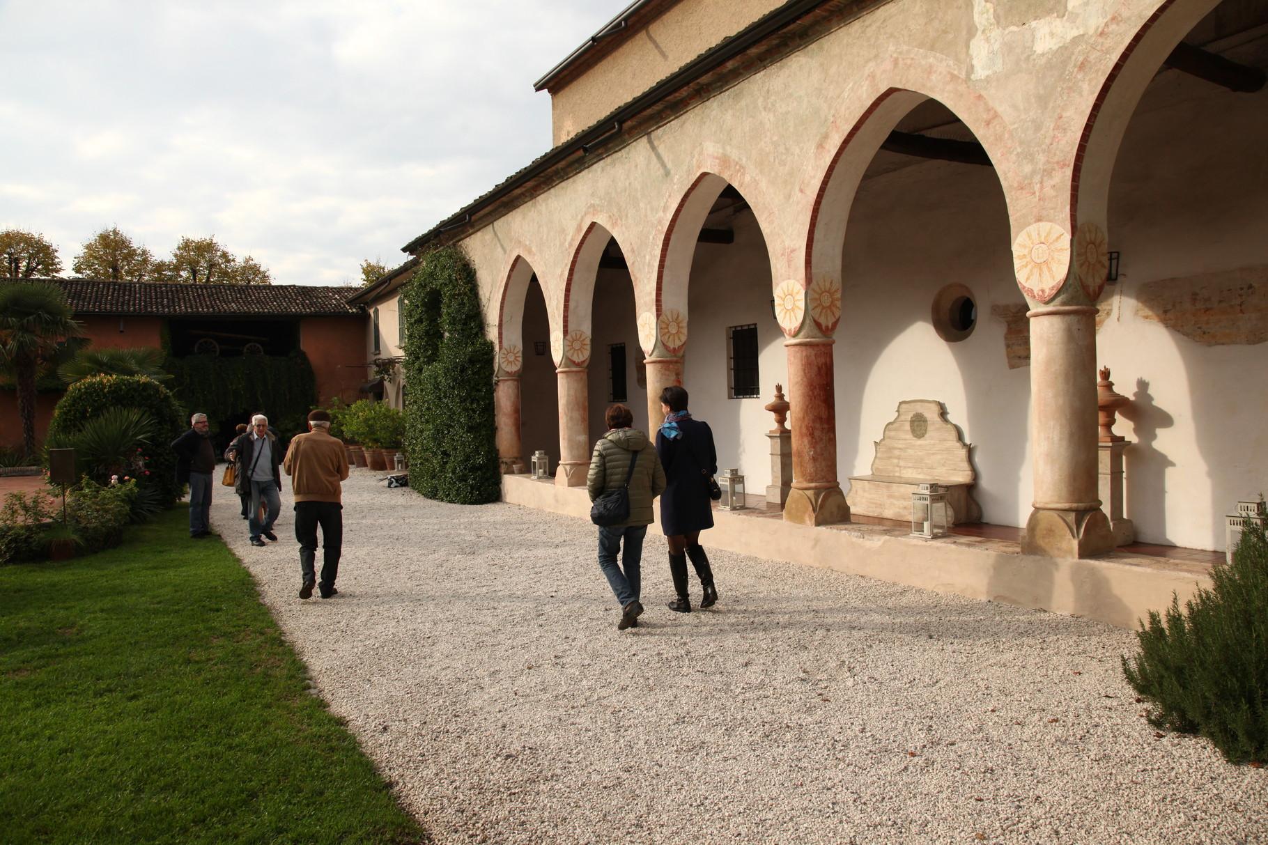Ex convento dell'Annunciata, chiostro.