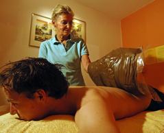 Fango Massage in der PhysioPraxisSchwabing - 30 Jahre Massage Erfahrung am Patienten