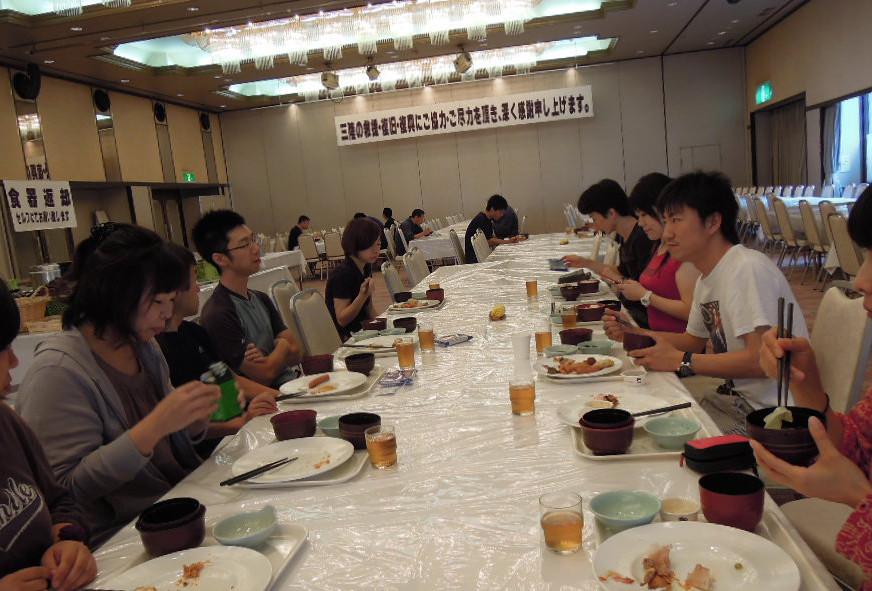 7月22日朝 ホテルはボランティア向けの営業で食事は全てブッフェ、アメニティ無し