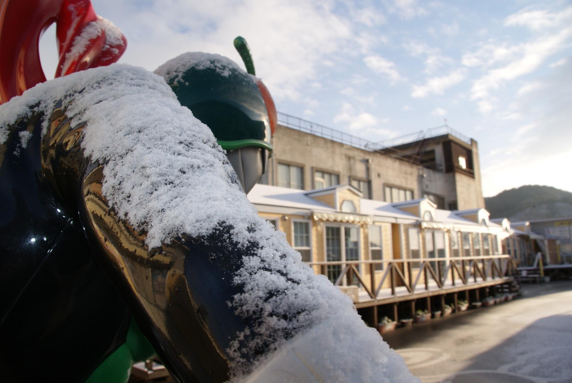 仮面ライダーも雪で