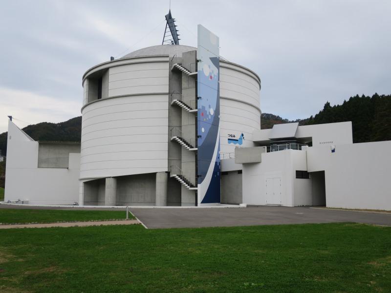 鯨と海の科学館もきれいに復旧されてます。