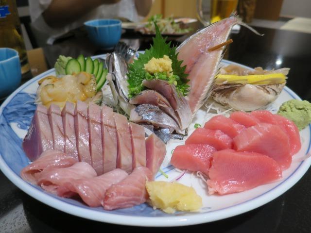 夜は地元のお店でとってもおいしい海鮮をいただきました。しっかり検査されているものですが、やはり農産物含め厳しい状況ということでした・・・