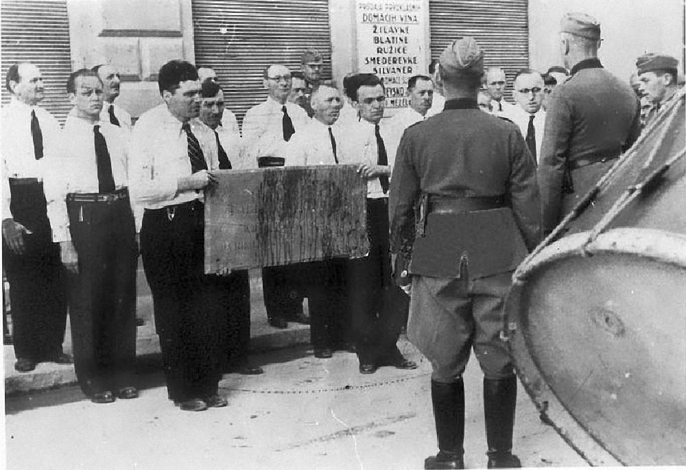 Sarajevo - NDH - doček njemaca sa skinitom pločom Gavrilu Principu - 23.04.1941