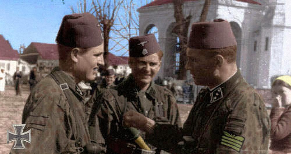 SS-Obersturmführer Karl Lieckesa dva vojnika