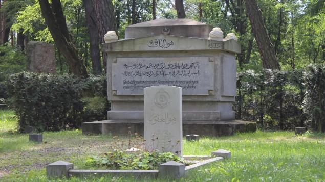 Zehren Dorfer počasni groblje gdje su pokopani umrli Muslimani, Hindusi i sikhi u POW kamp wunsdorf.