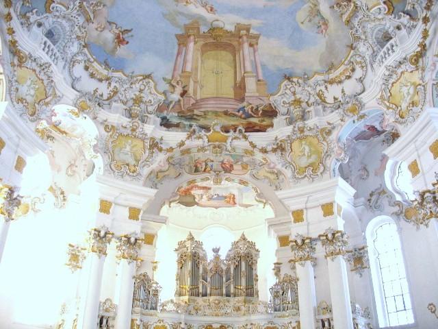 ヴィース教会の内部