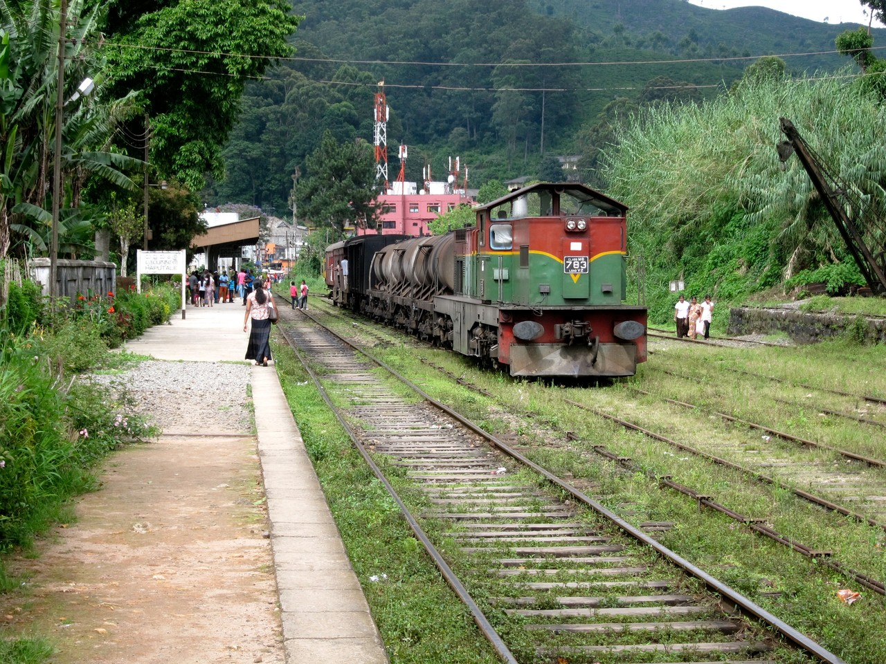 Bahnhof Haputale, Zugfahrt ins Hochland von Sri Lanka