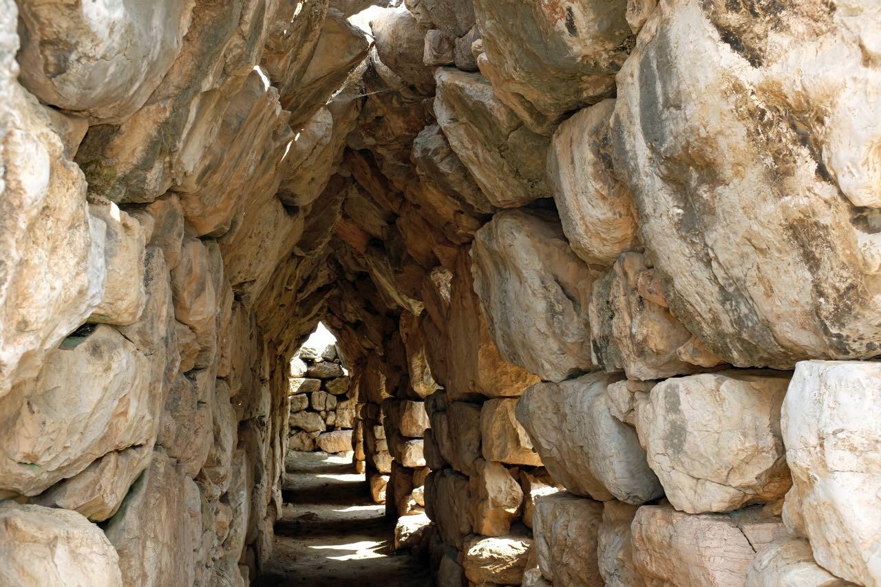 Tiryns dicke Mauern auf Peloponnes