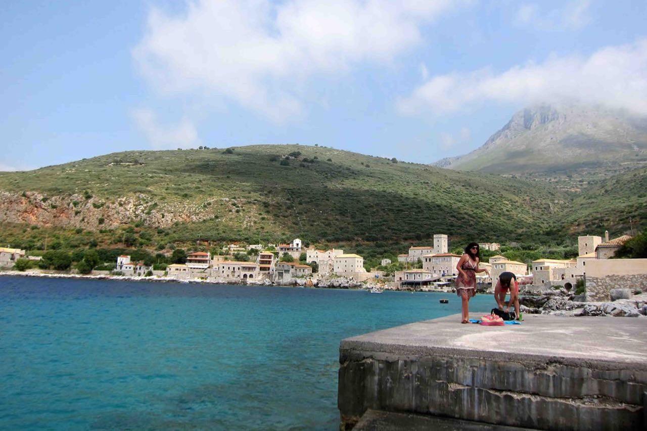 Eine der Badestellen in der Bucht von Limeni