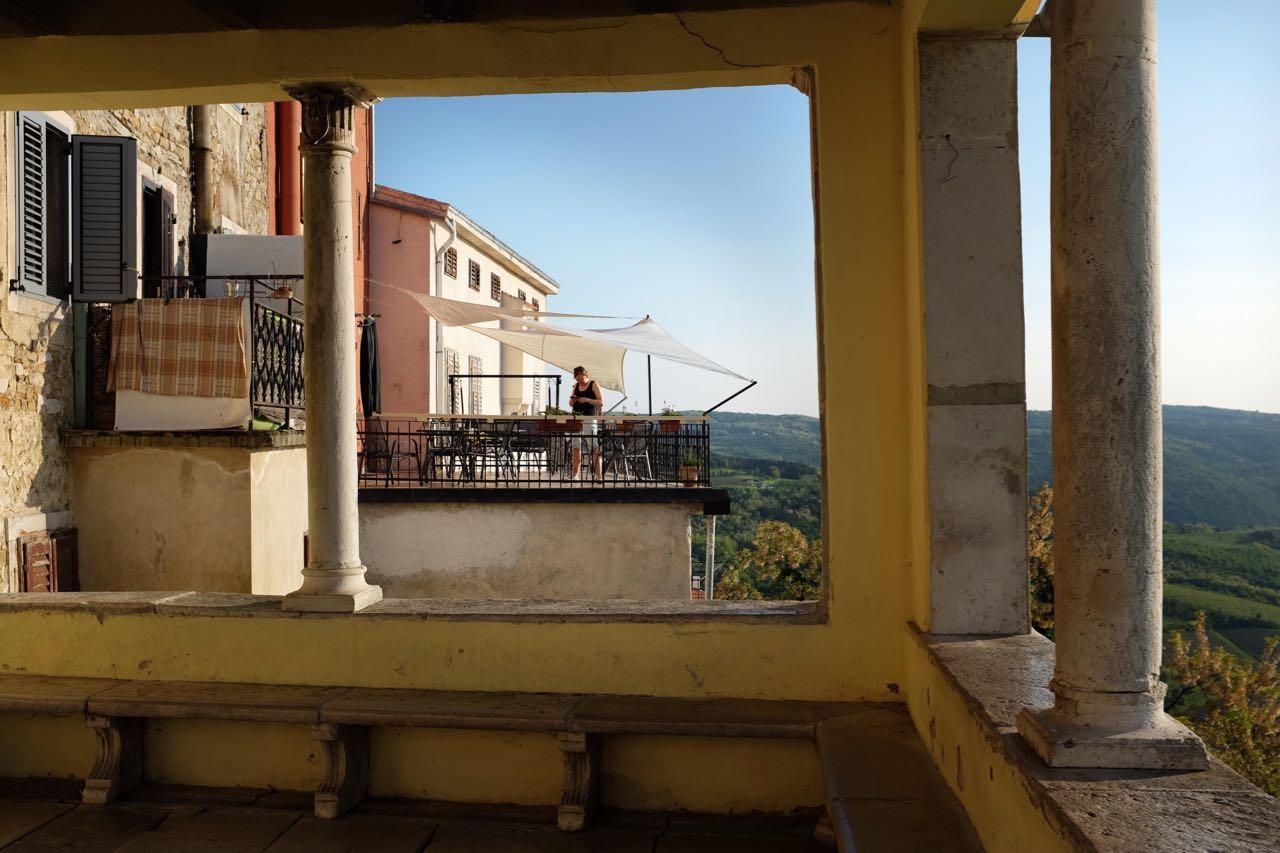 Terrasse der Villa Borgo, von der Stadtloggio in Motovun