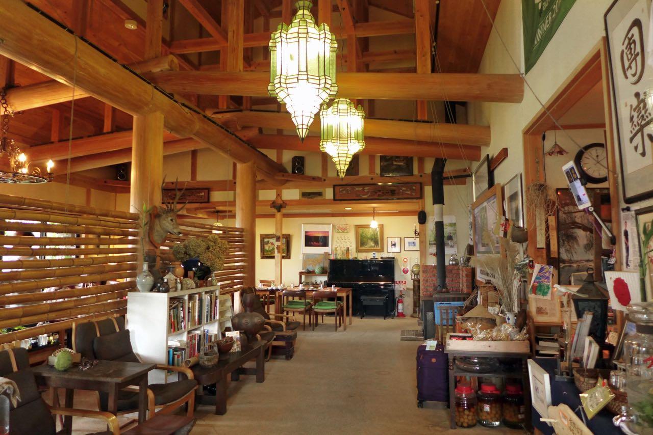 Nach 4km erreicht man das Gästehaus Kirinosato Onsen in Takahara, Komano Kodo