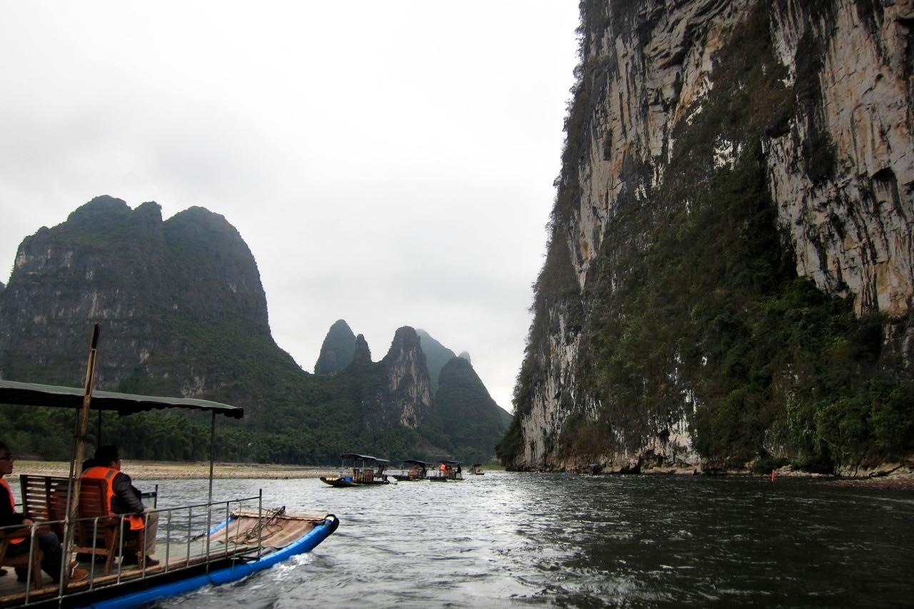 Ab Lengshui steigen wir doch lieber auf das Boot um für das Li-River Erlebnis