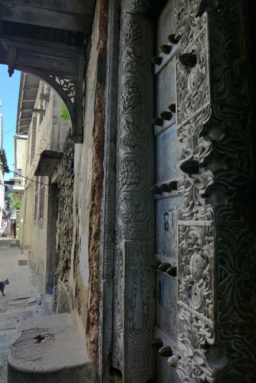 Alte Swahili Türen in der Altstadt von Stone Town