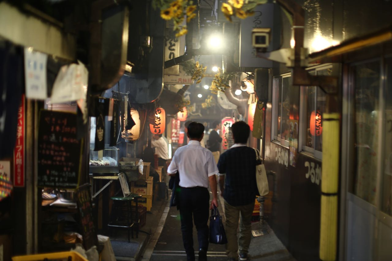 Legendäre Yakitori Alley in Shinjuku Tokio