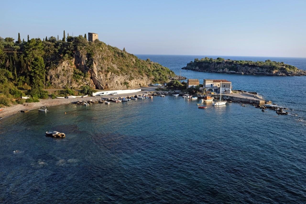 Der Hafen von Kardamyli, Mai Peloponnes