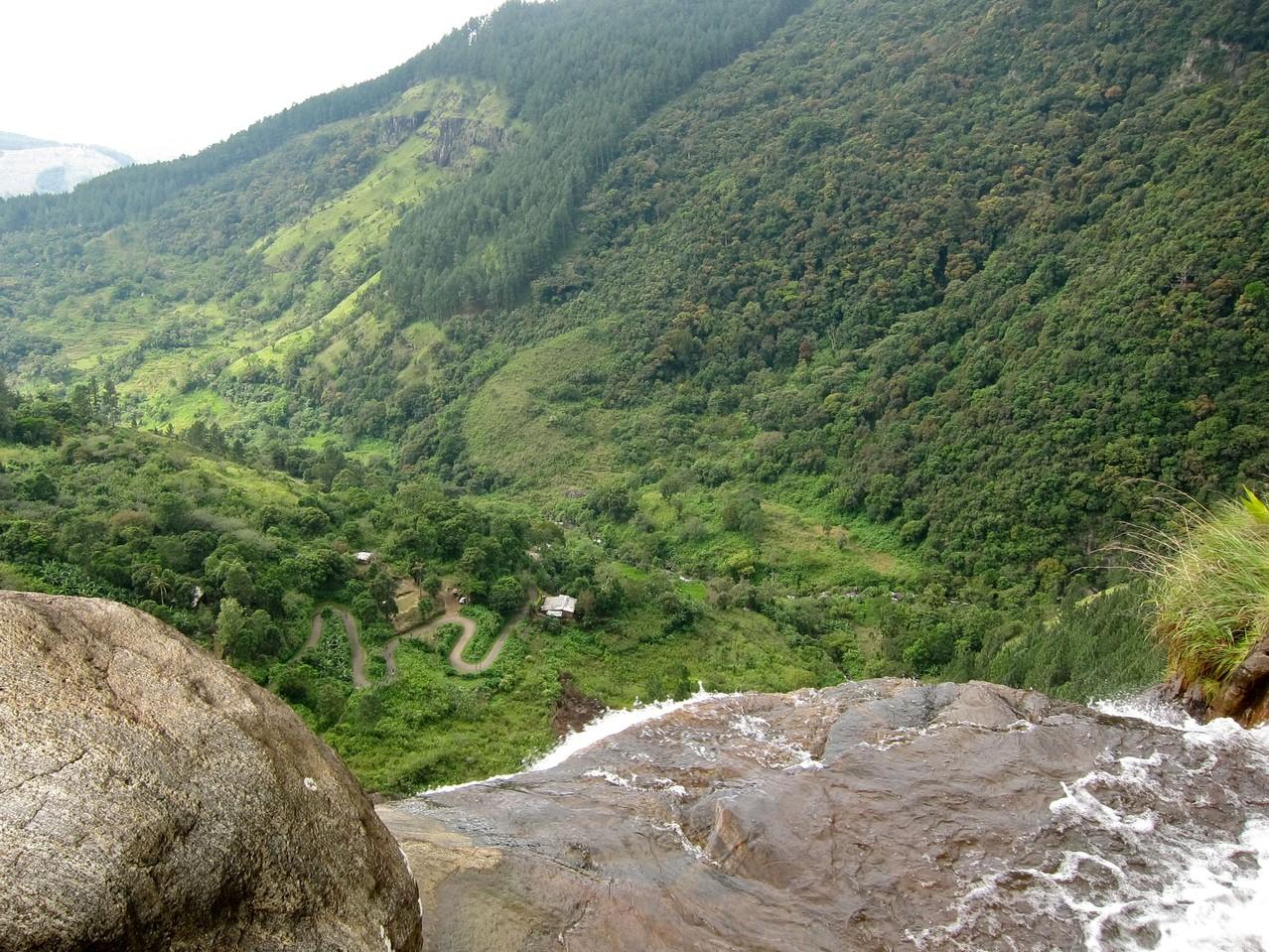 Wanderung Bambarakanda Wasserfall Sri Lanka