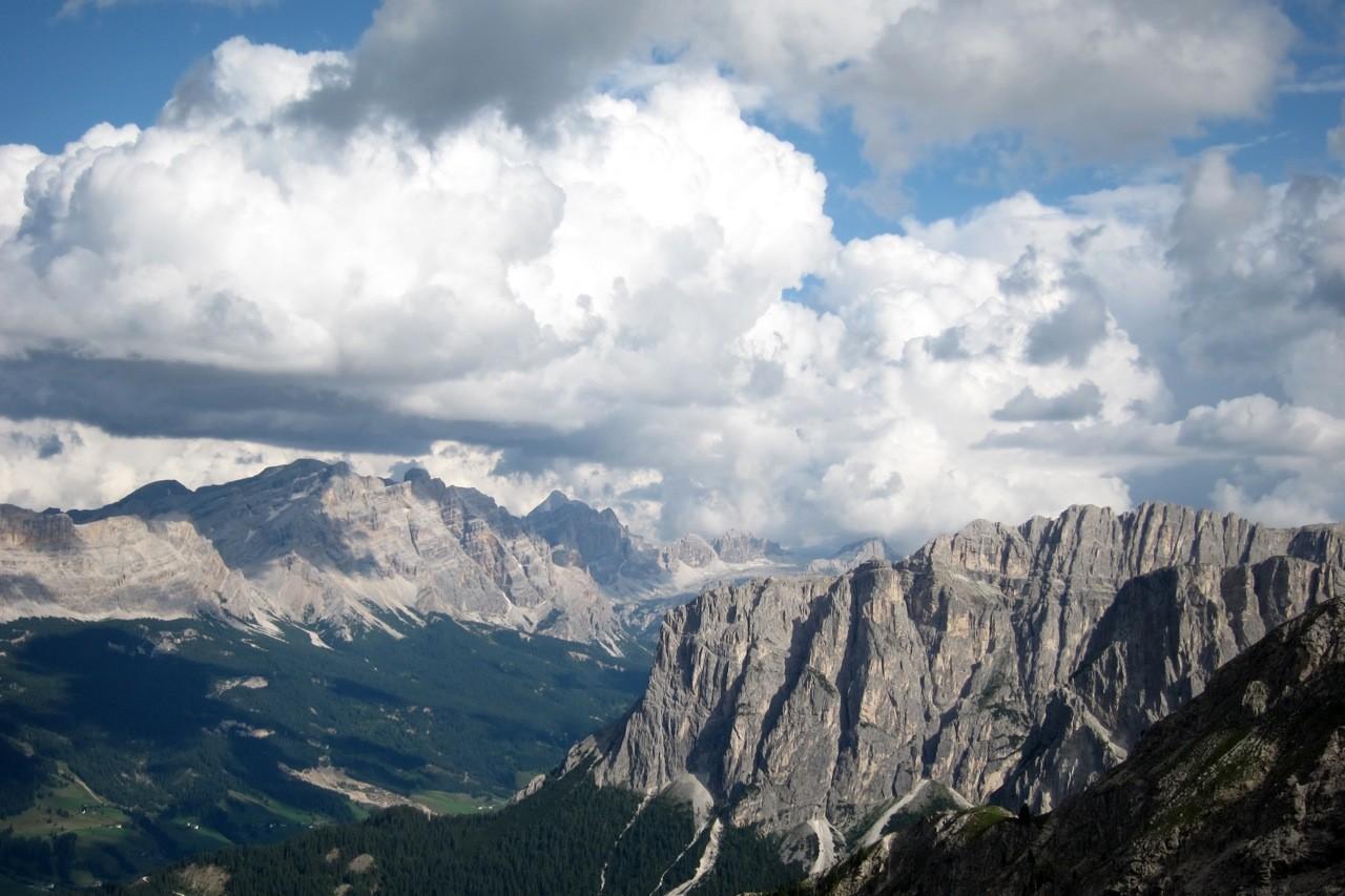 Ausblick vom Zendleserkofel in Südtirol