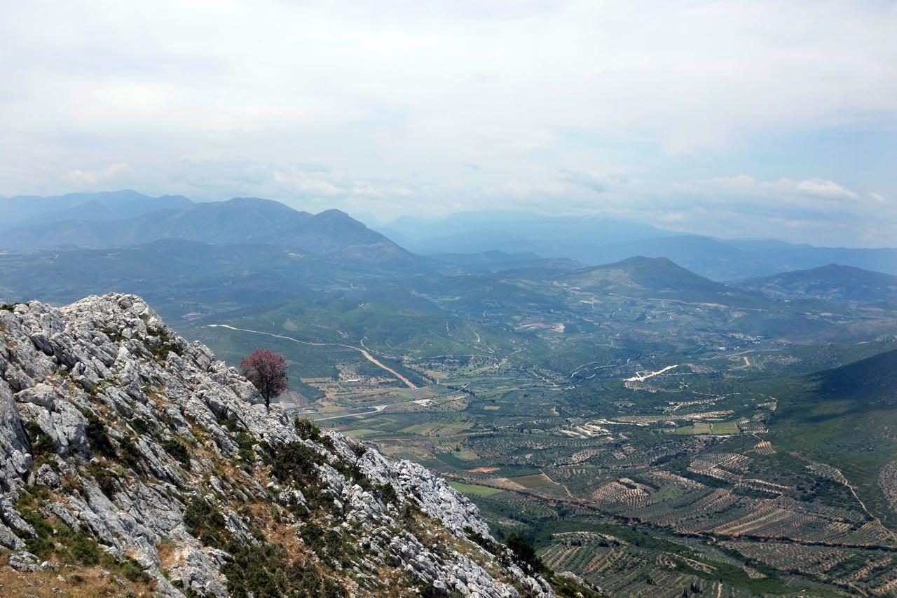 Großartiger Weitblick vom Gipfel des Agiolias, Peloponnes