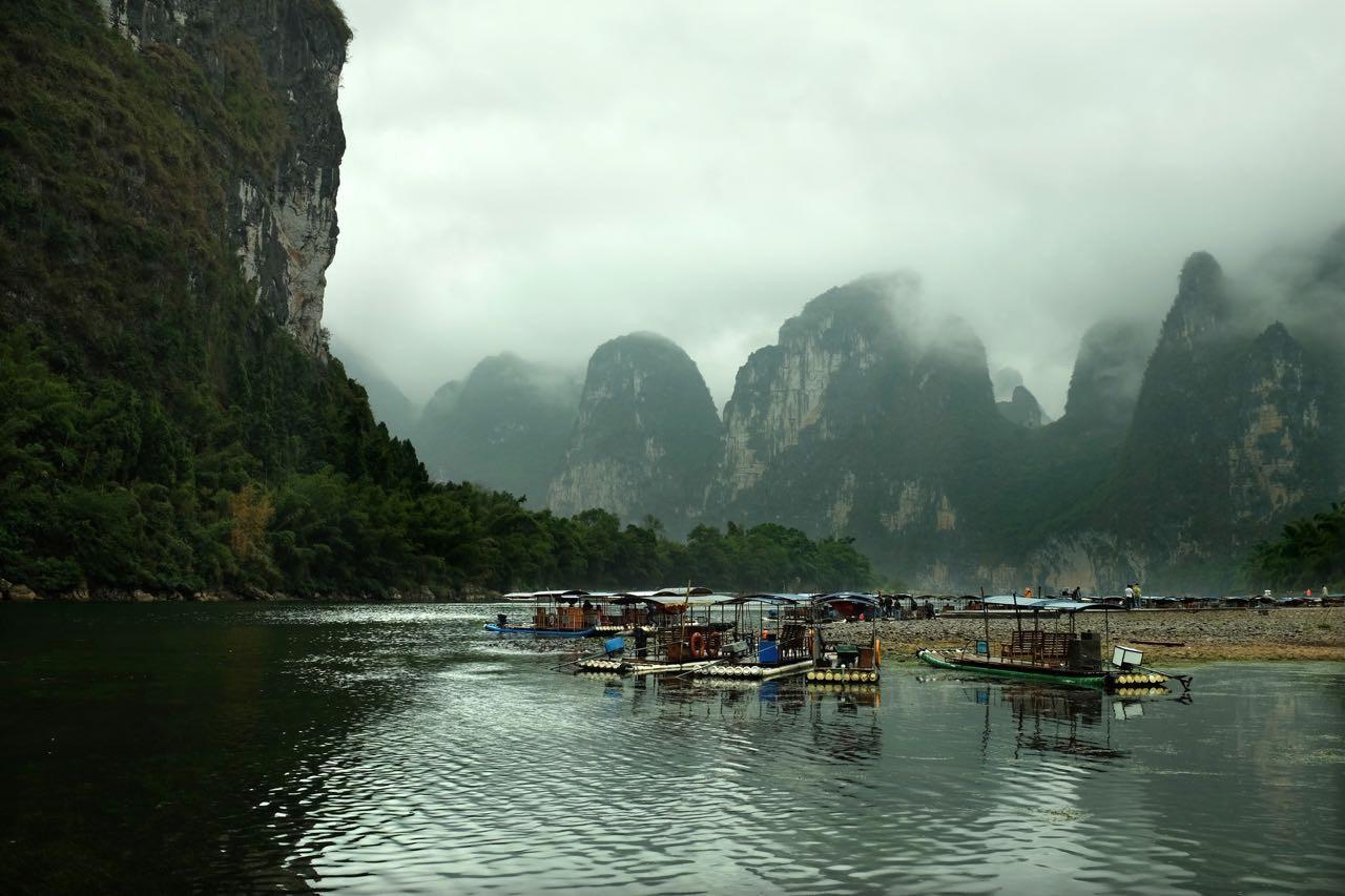 Bei jedem Wetter schön, die Karstlandschaft am Li-Fluss südlich von Guilin