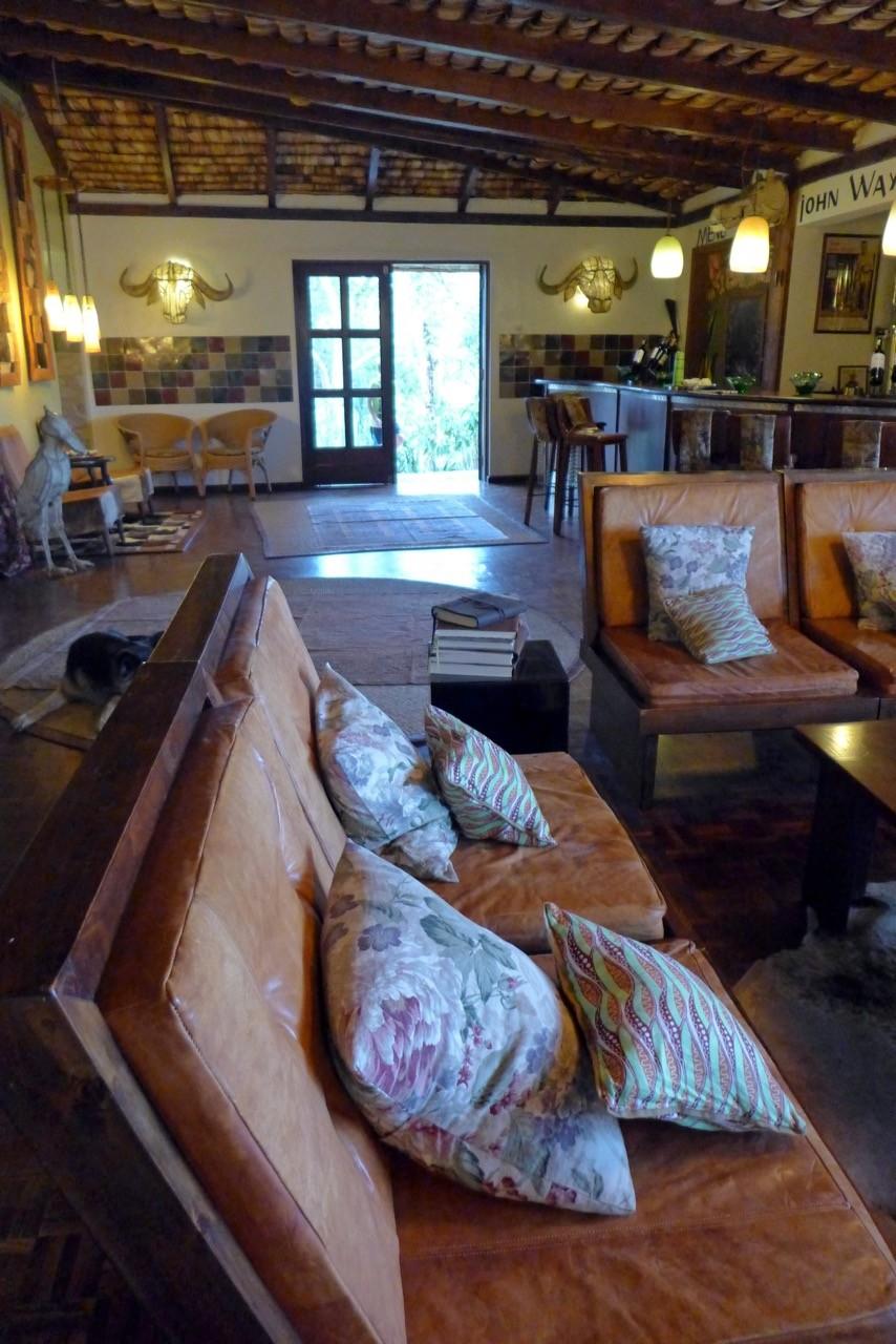 Gemütlicher Treffpukt in der Hatari Lodge