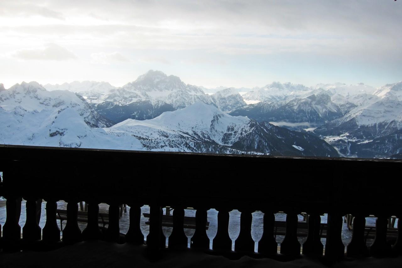 Blick vom Doppelzimmer Berghütte Rifugio Lagazuoi, Dolomiten Südtirol