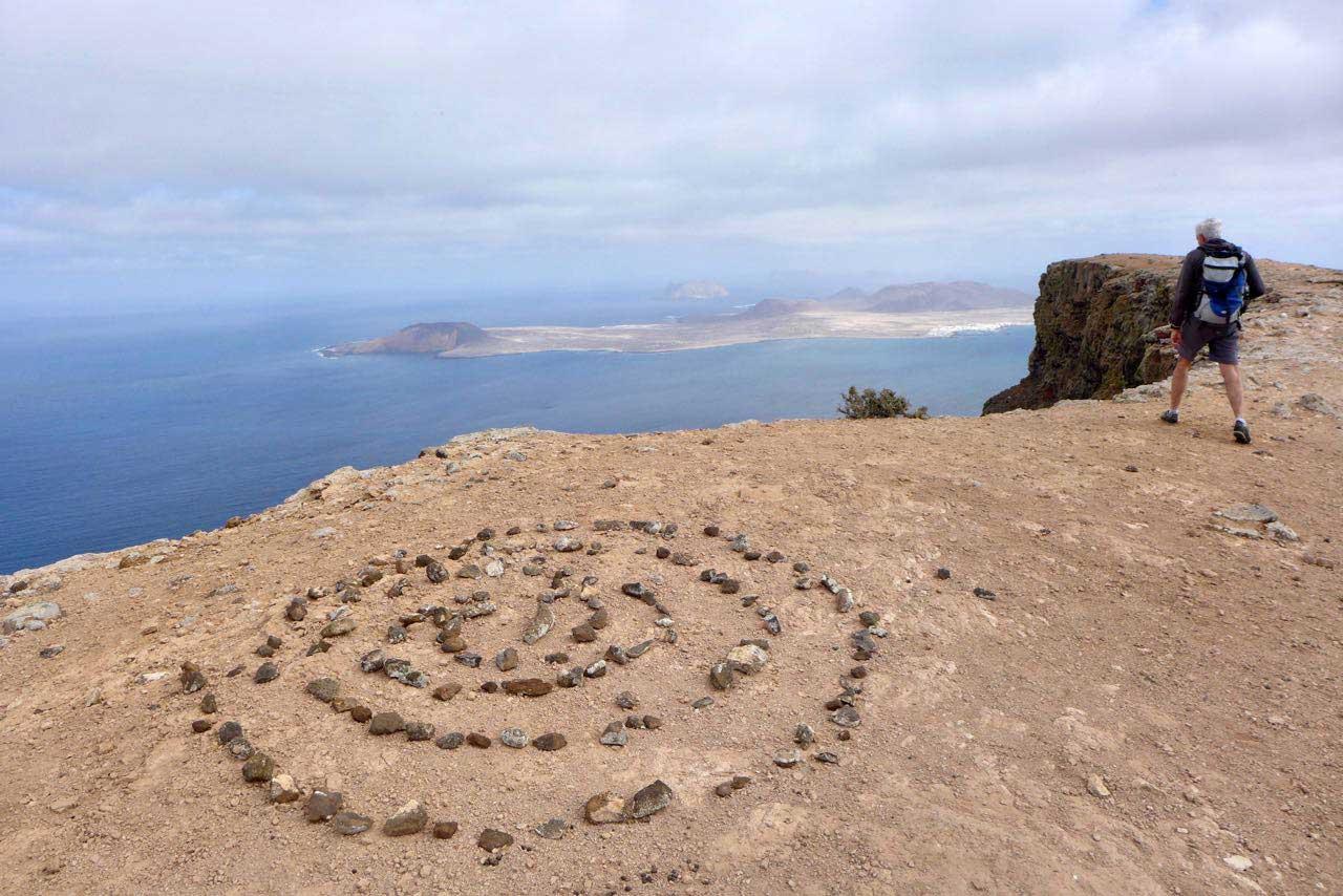 Kurze und spektakuläre Wanderung auf dem Famara Kliff Lanzarote