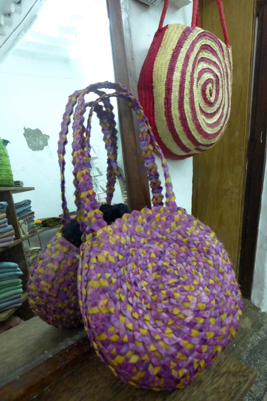 Alles hand-made die Handtaschen MOTO & DADA