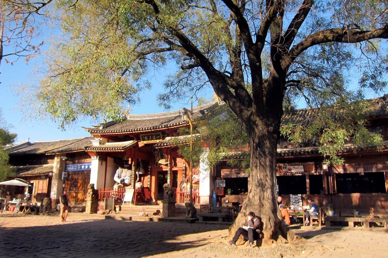Shaxi Marktplatz mit Xingjiao Tempel aus der Ming-Dynastie