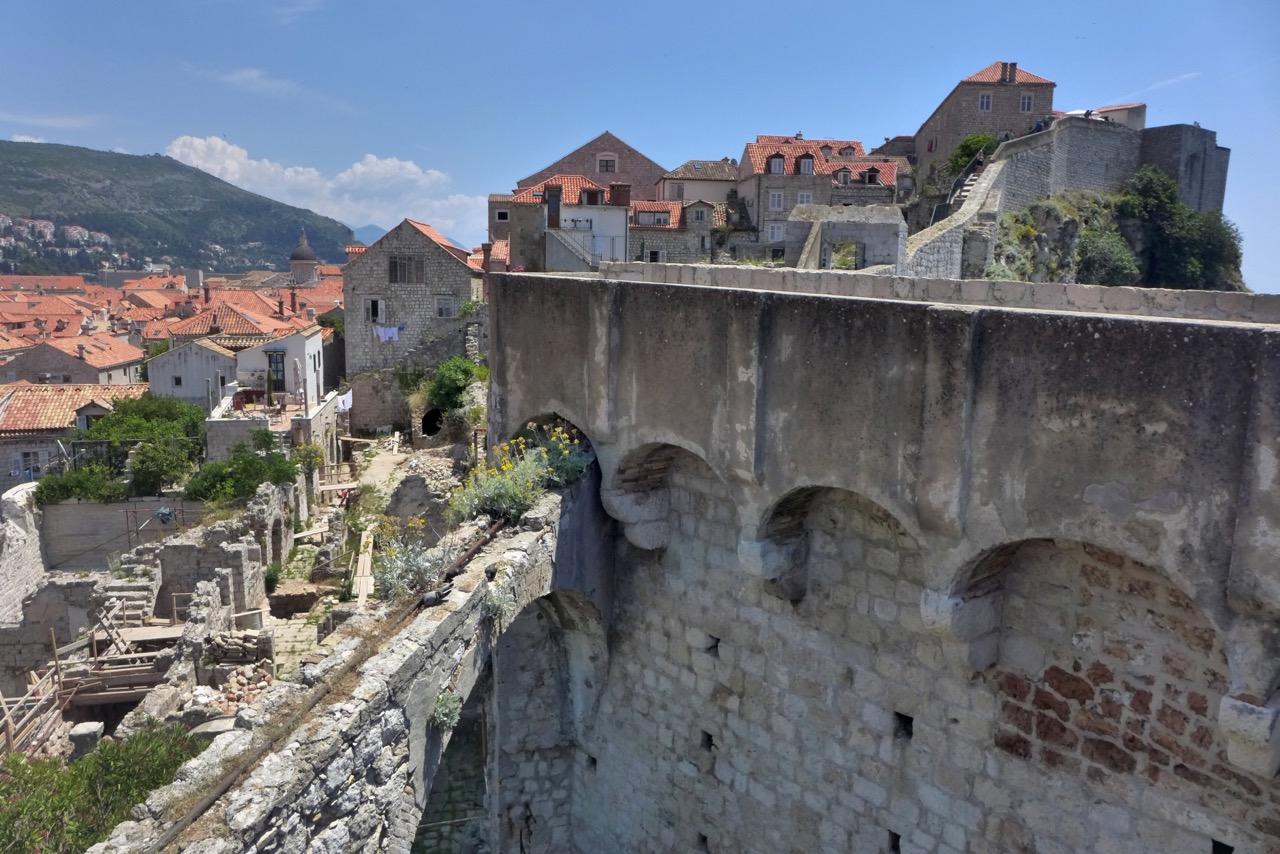 Ausblicke Dubrovniks Stadtmauer