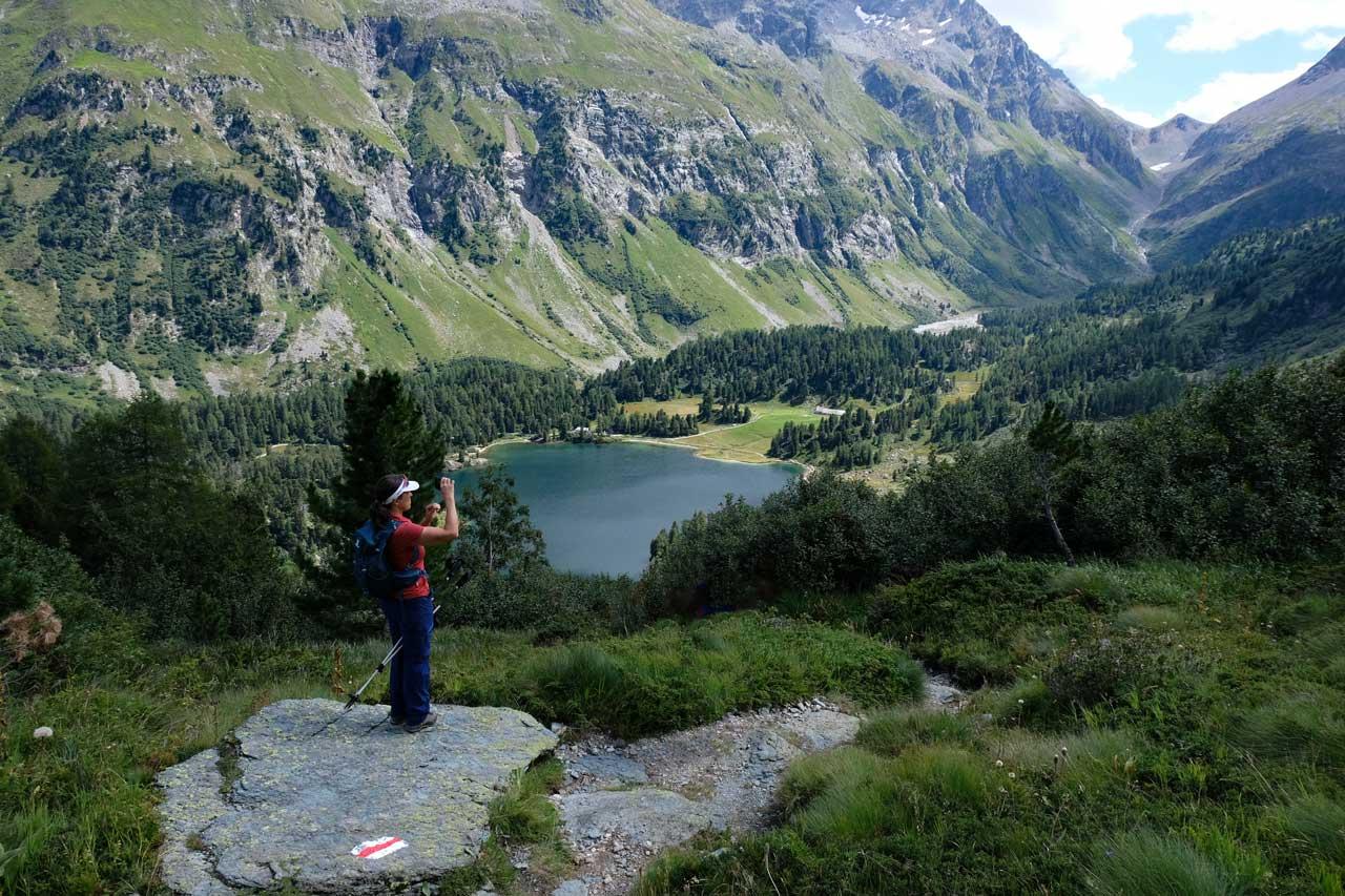 Abstieg zum Lägh da Cavloc, Wanderung Oberengadin-Majona