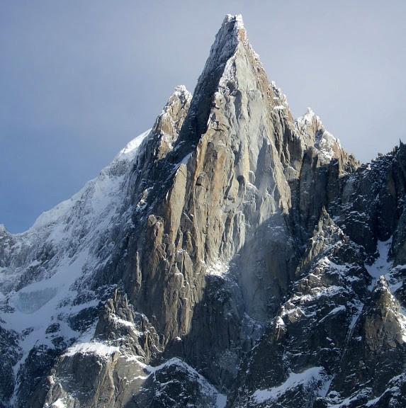 Die markante Dru Pyramide vis-a-vis von Montenvers