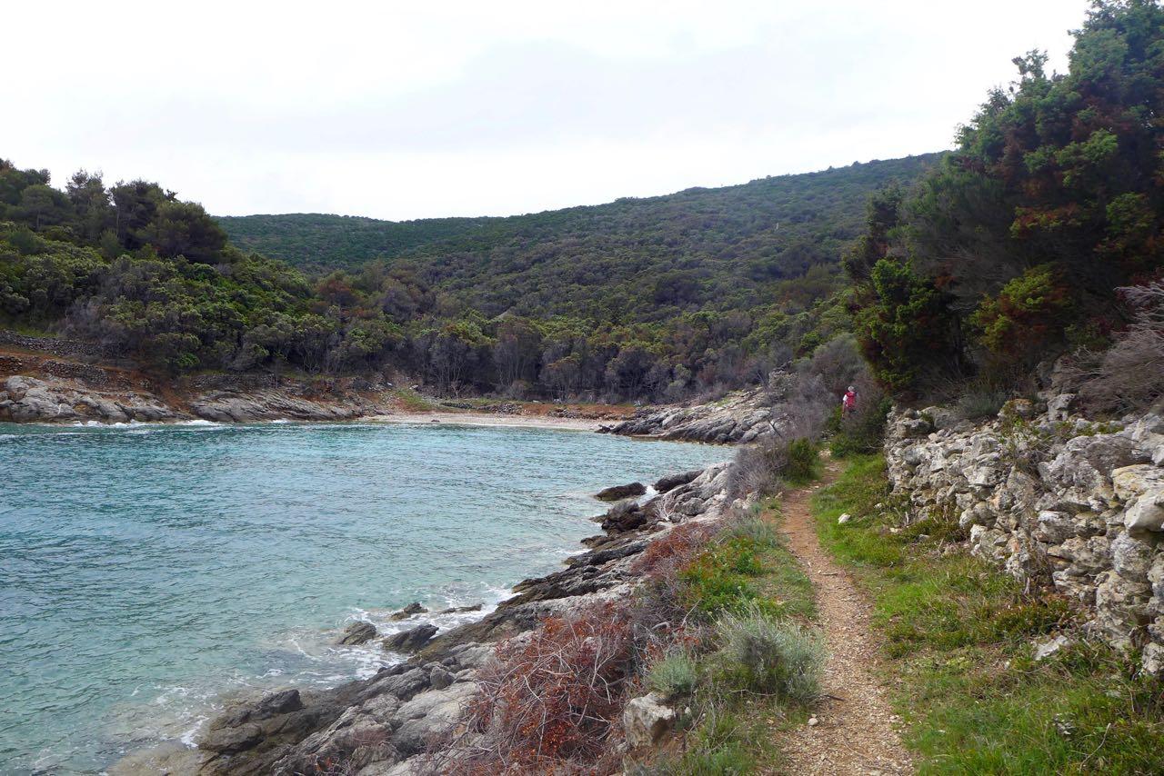 Wandern mit Badebuchten auf Losinj
