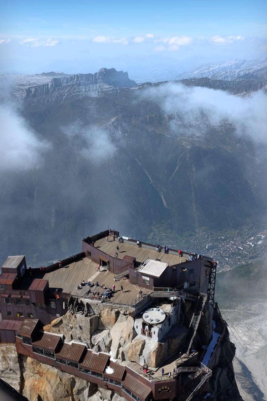 Adlernest am Mont Blanc, die aussichtsreiche Bergstation Aiguille du Midi (3842m)