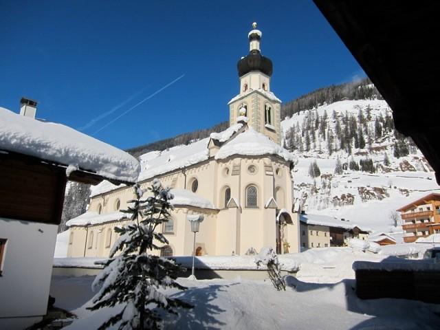 Blick von unserem Balkon auf die Kirche Innervillgraten, Villgratental, Osttirol