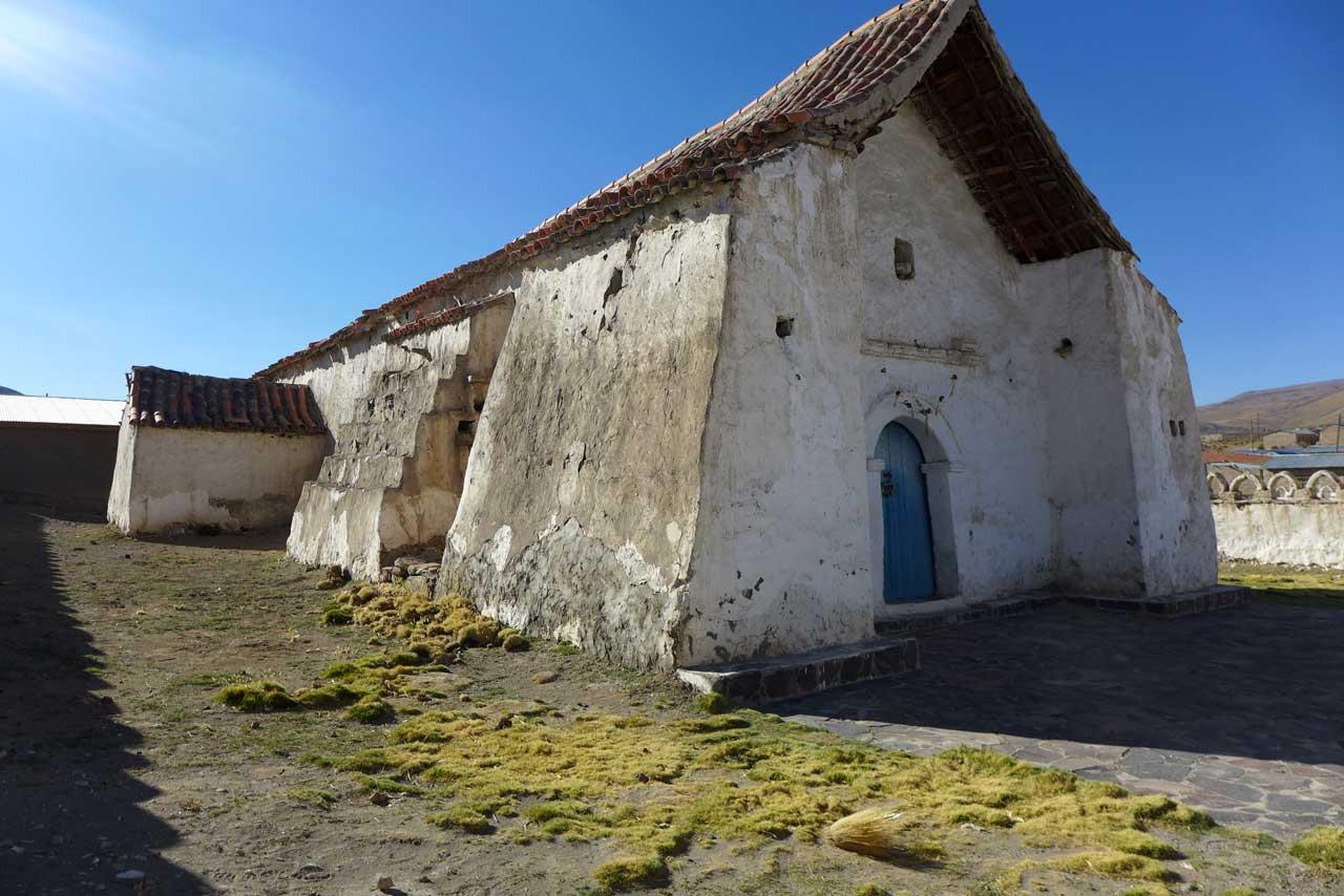 Isluga Altiplano-Kirche