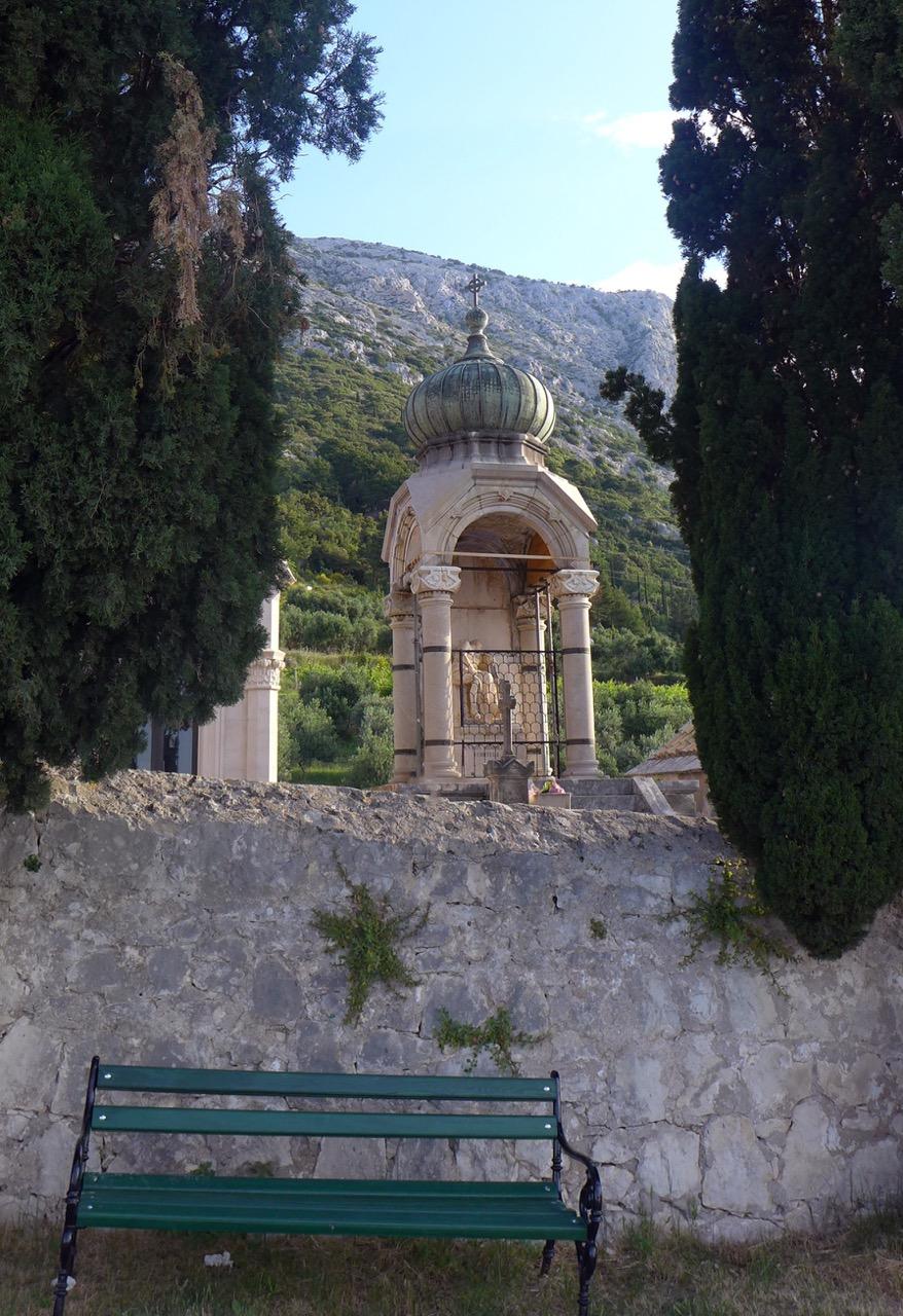 Wunderschöner Klosterfriedhof oberhalb von Orebic
