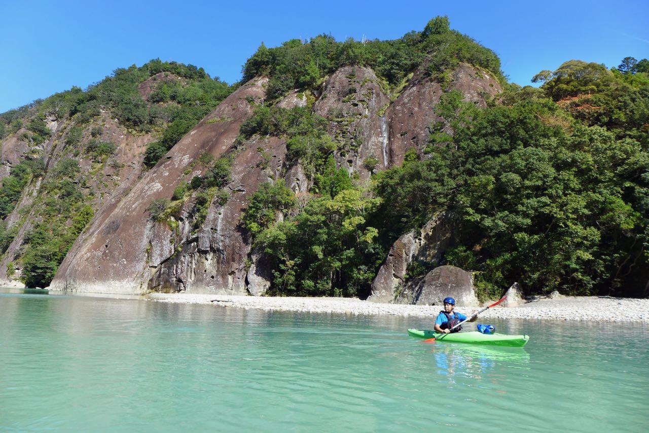 Kajaktour auf dem Koza-Fluss Wakayama
